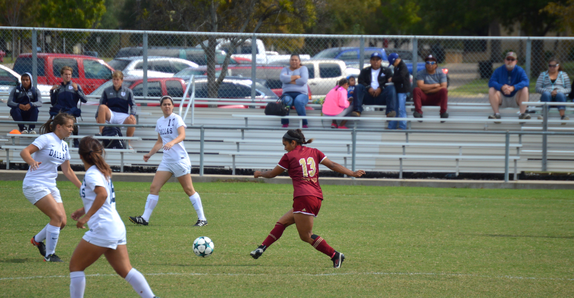 Cruz's Late Tally Lifts 'Roo Women Past Dallas