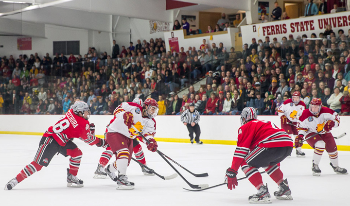 Ferris State Hockey Clinches CCHA Tournament First-Round Bye