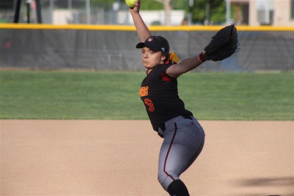 Softball Posts 5-0 Shutout over Davis