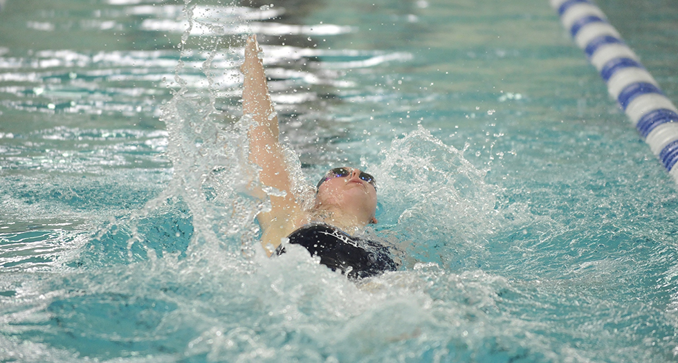 Swimming & Diving Competes at Smith Relays