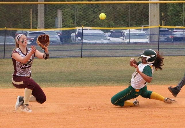 Naomi Rinaldo - cover second base - Fitchburg State March 13