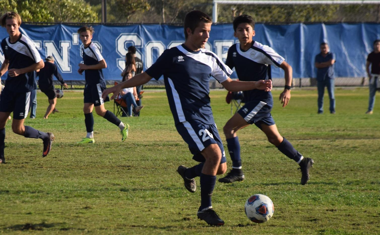 Men's soccer team storms back to earn regional playoff win
