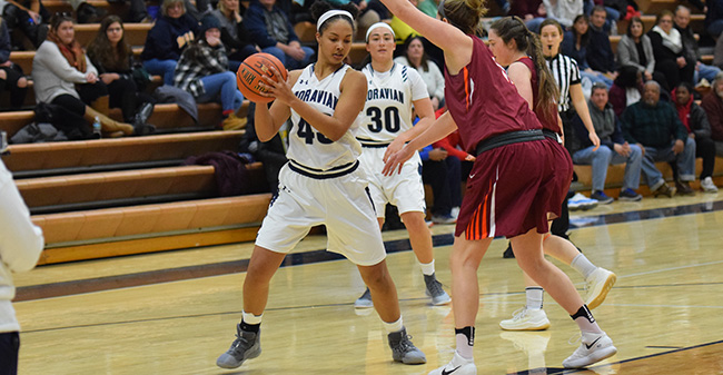 Nadine Ewald '20 looks to make a move towards the basket versus Susquehanna University.