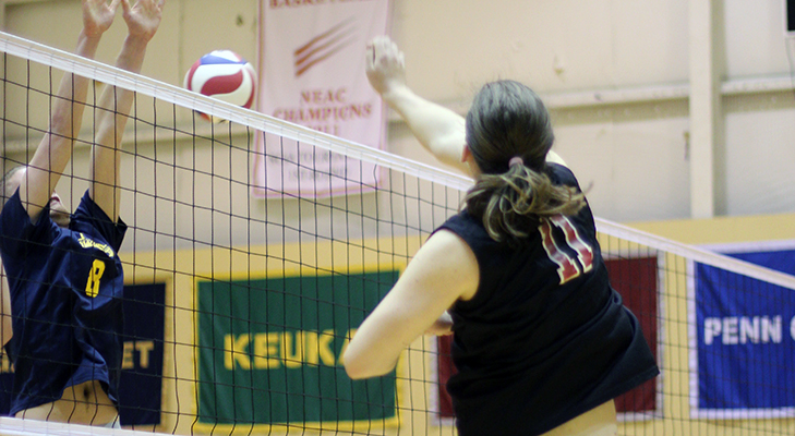 Men's Volleyball Swept To Open Golden Flyer Invitational