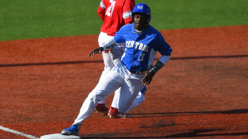 Baseball Swept in Saturday Doubleheader at Bryant