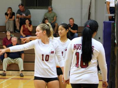 Women's Volleyball: Win in 3 over Trailblazers
