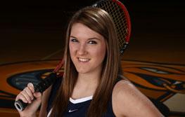 Cobra Spotlight- Adri Watford, Women's Tennis