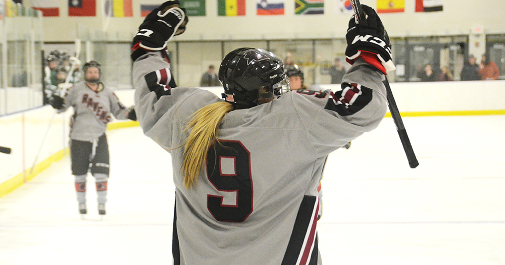Women's Ice Hockey Fills Up Net on Opening Night, Drops Daniel Webster, 12-1