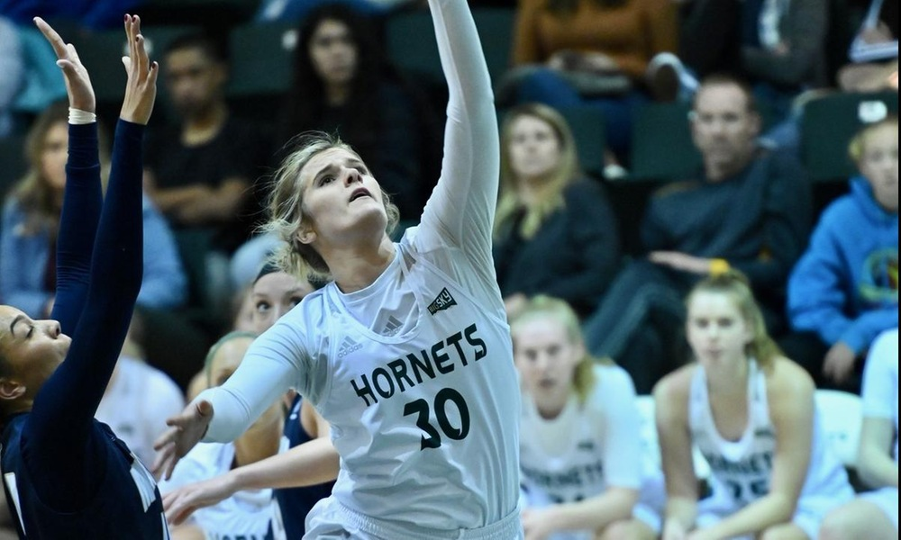 WOMEN'S HOOPS UNABLE TO SLOW THE BIG SKY'S TOP OFFENSE IN LOSS AT IDAHO