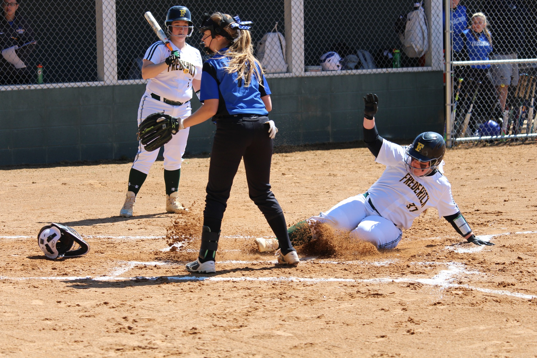 Softball sweeps Thunder Wolves in home opener