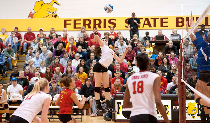 Bulldog Volleyball Suffers Home Loss To Rival GVSU