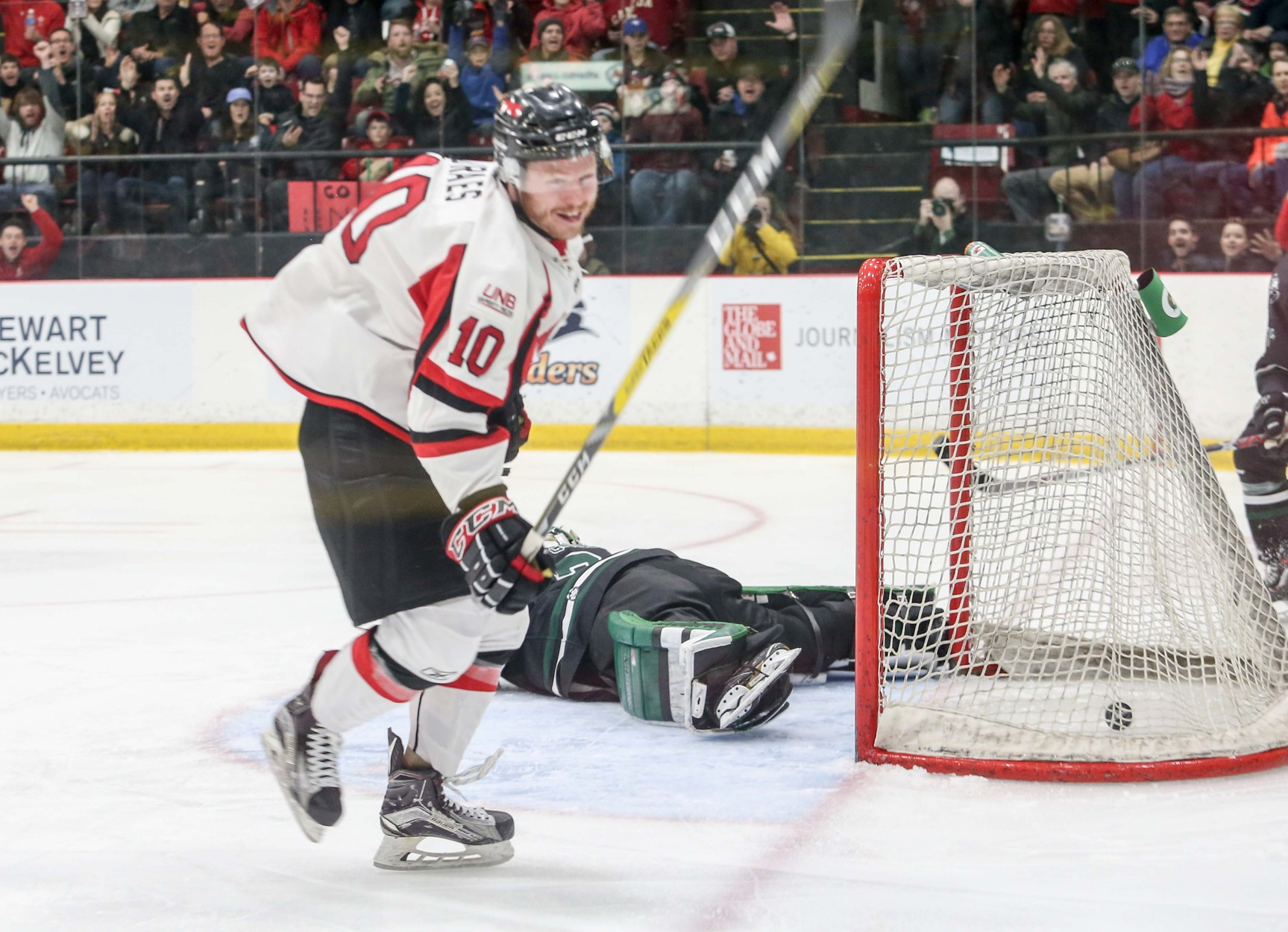 FINAL 2017 U SPORTS Cavendish University Cup: Braes for impact: UNB senior scores four times to make Reds gold again