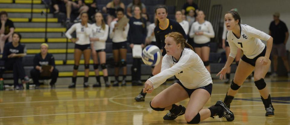 Volleyball Opens HCAC Play at Manchester on Saturday