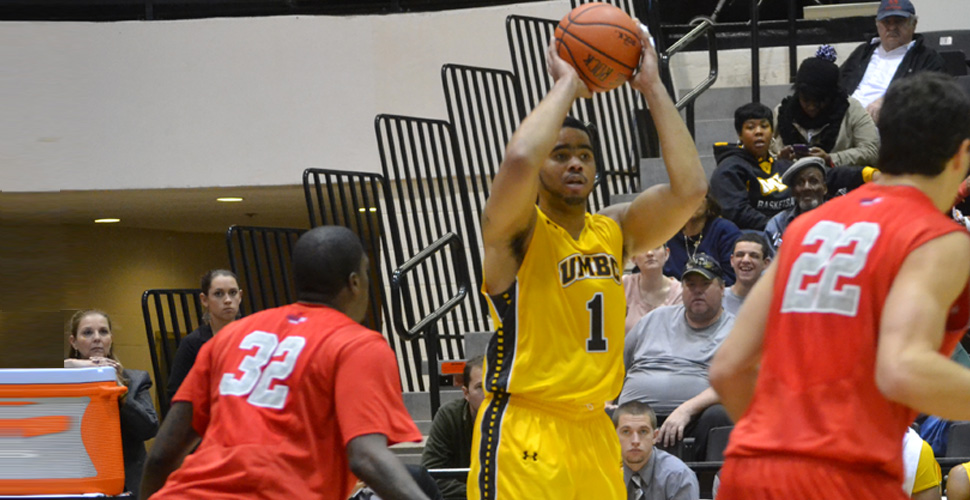 Plummer Reaches Milestone, But Men's Basketball Falls to Stony Brook, 81-62