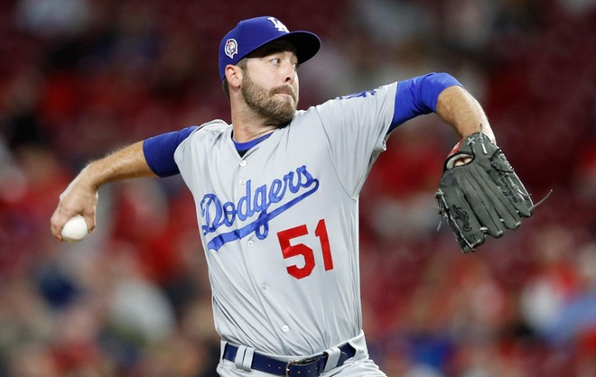 Turner and Floro Guide Dodgers to Game One NLDS Win