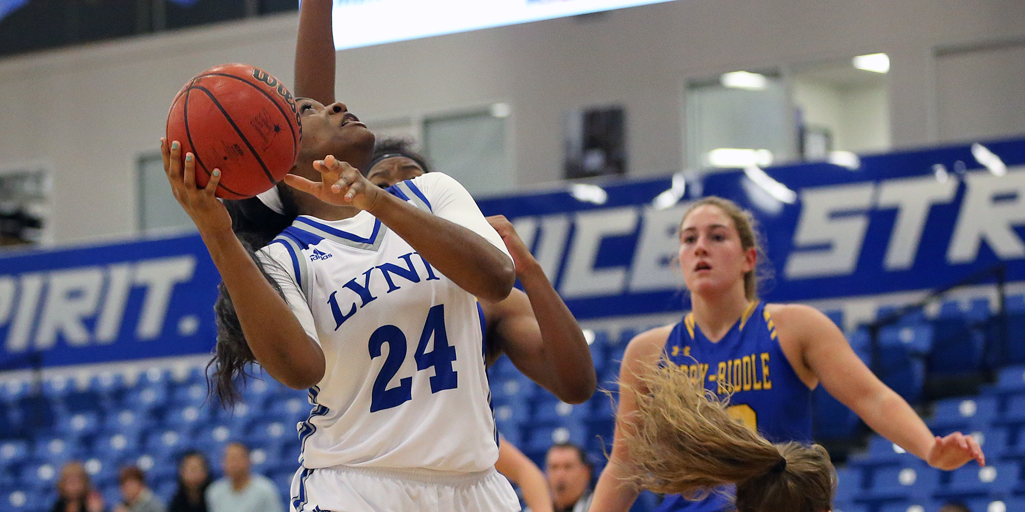 Five Score Double Digits as Women's Basketball Wins Fourth Straight