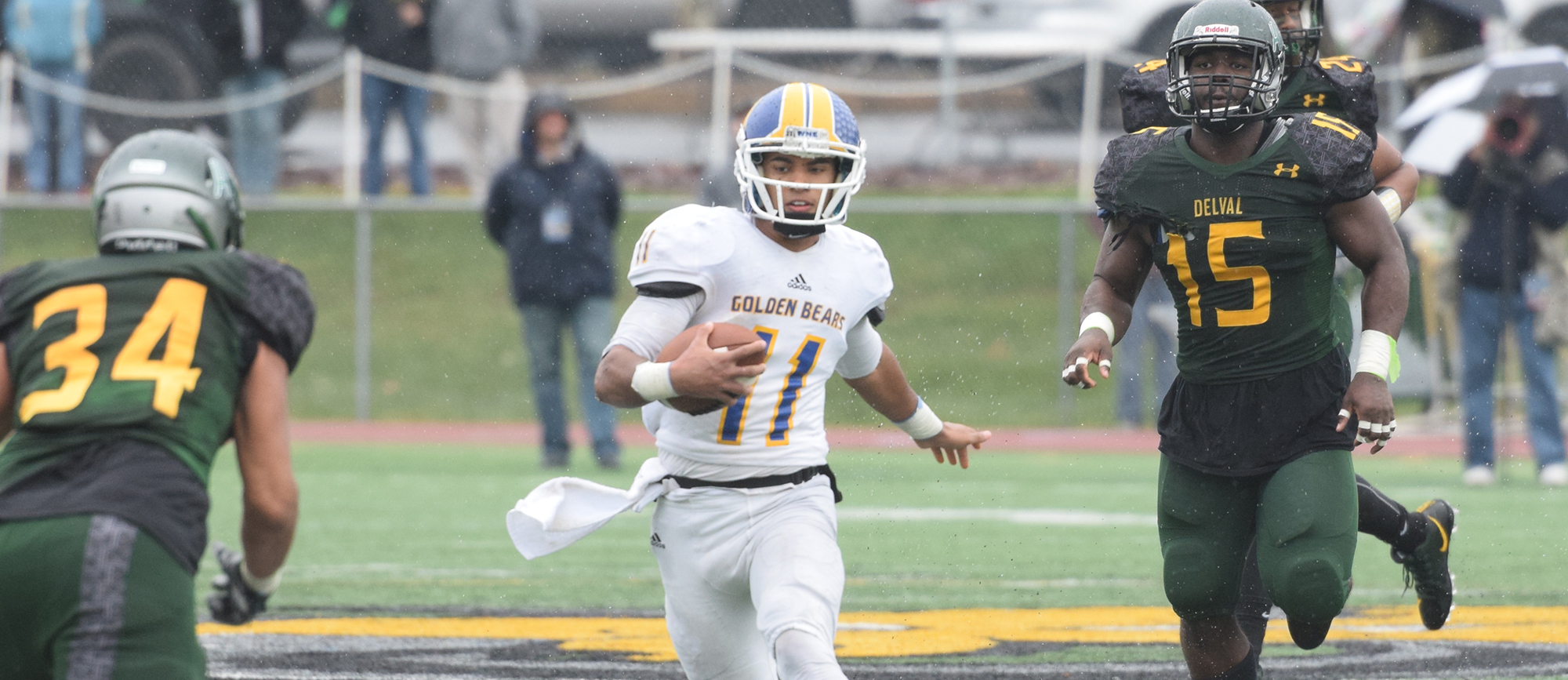 Senior quarterback Anthony Service compiled 252 yards of total offense in Western New England's 35-0 loss to Delaware Valley in the first round of the NCAA Tournament on Saturday.