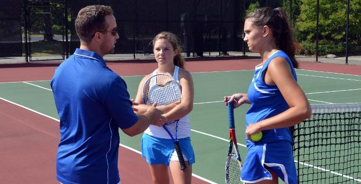 Women's Tennis blanked by UW-Stevens Point