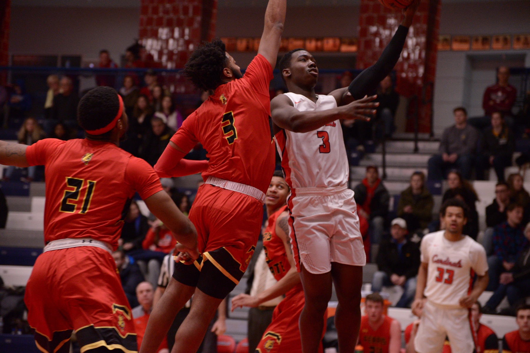 Cardinals drop GLIAC tilt to Lakers, 87-72
