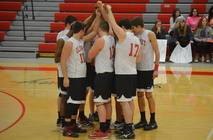 Men's volleyball team falls to Adrian in three sets