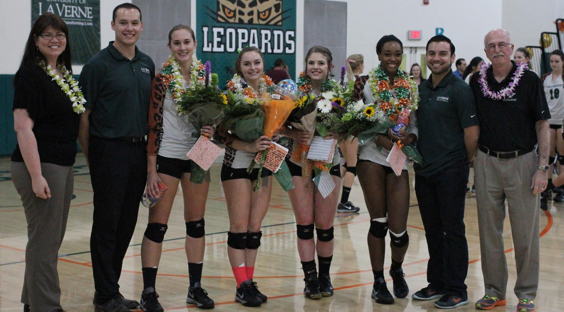 No. 22 Volleyball celebrates seniors in style, sweeps Pomona-Pitzer