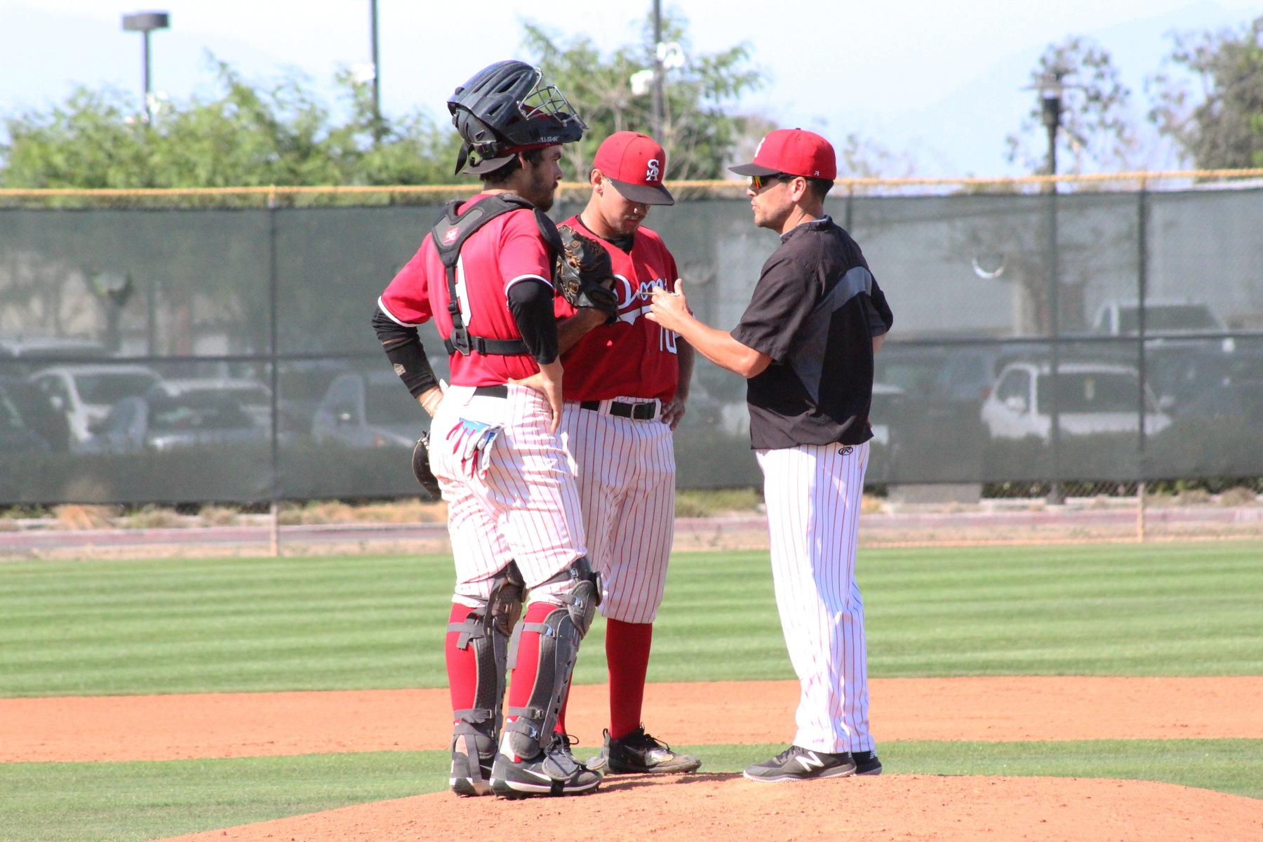 Errors Lead to Dons Loss Against No. 4 Saddleback
