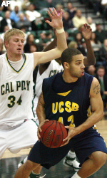 Harris Scores Season-High 31 as Gauchos Win Second Straight with 75-60 Rout of Rival Cal Poly