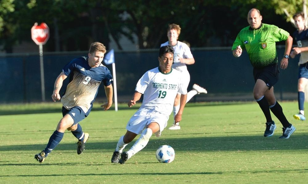 MEN'S SOCCER DROPS HEARTBREAKER AS #17 UC DAVIS SNEAKS BY, 2-1, IN OVERTIME
