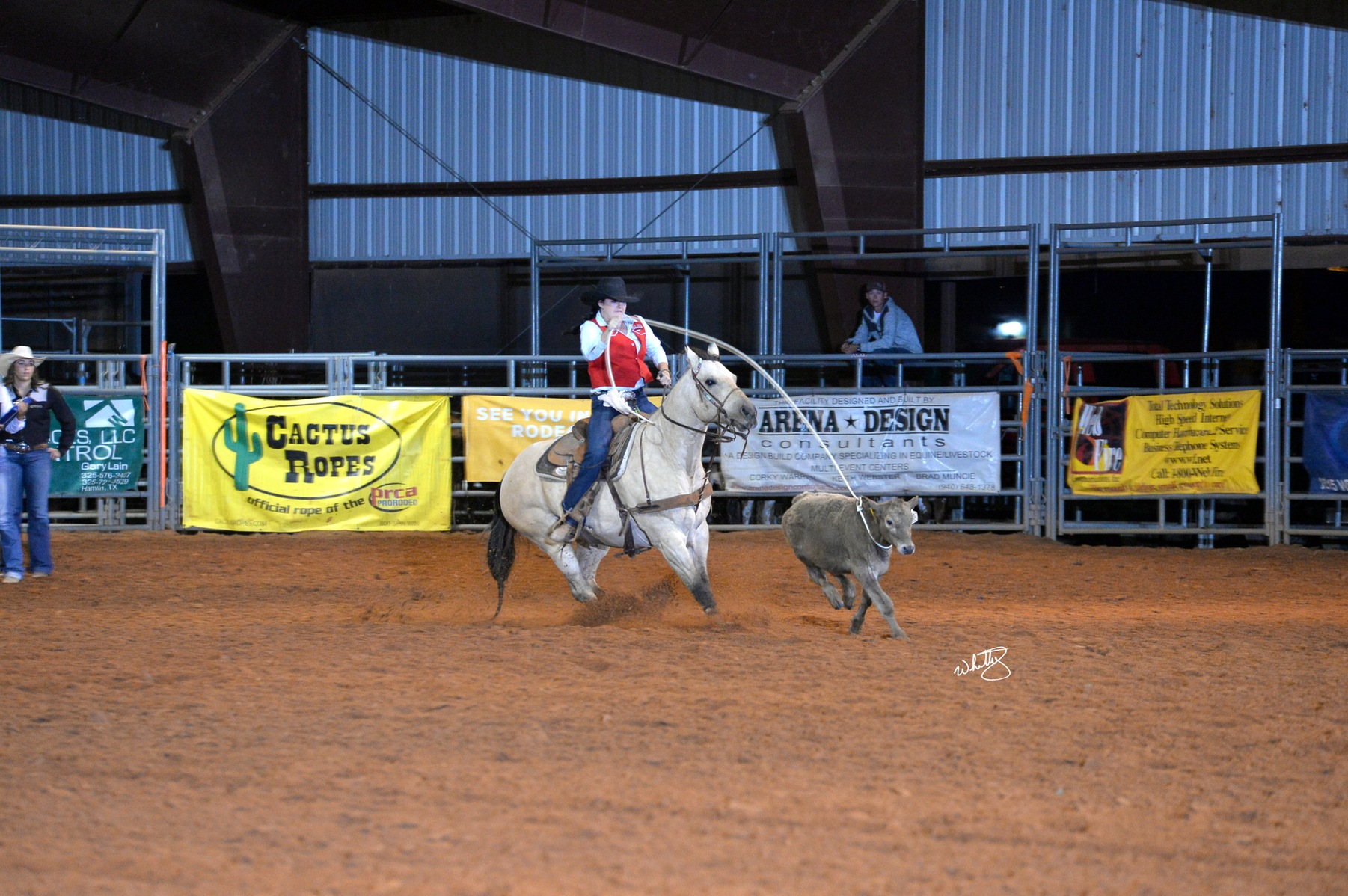 NMJC's Valdez and Crouch make it Back to Vernon College Rodeo Short Go