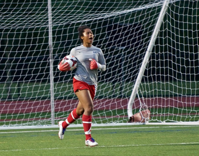Women's Soccer holds on to 3-2 win over Lycoming