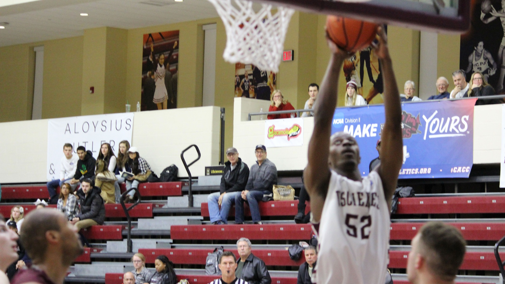 Men's Basketball Finishes With Four In Double Figures
