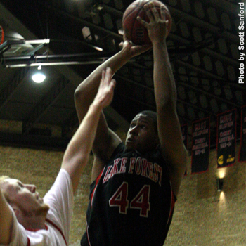 Foresters Win Crucial Game against Illinois College