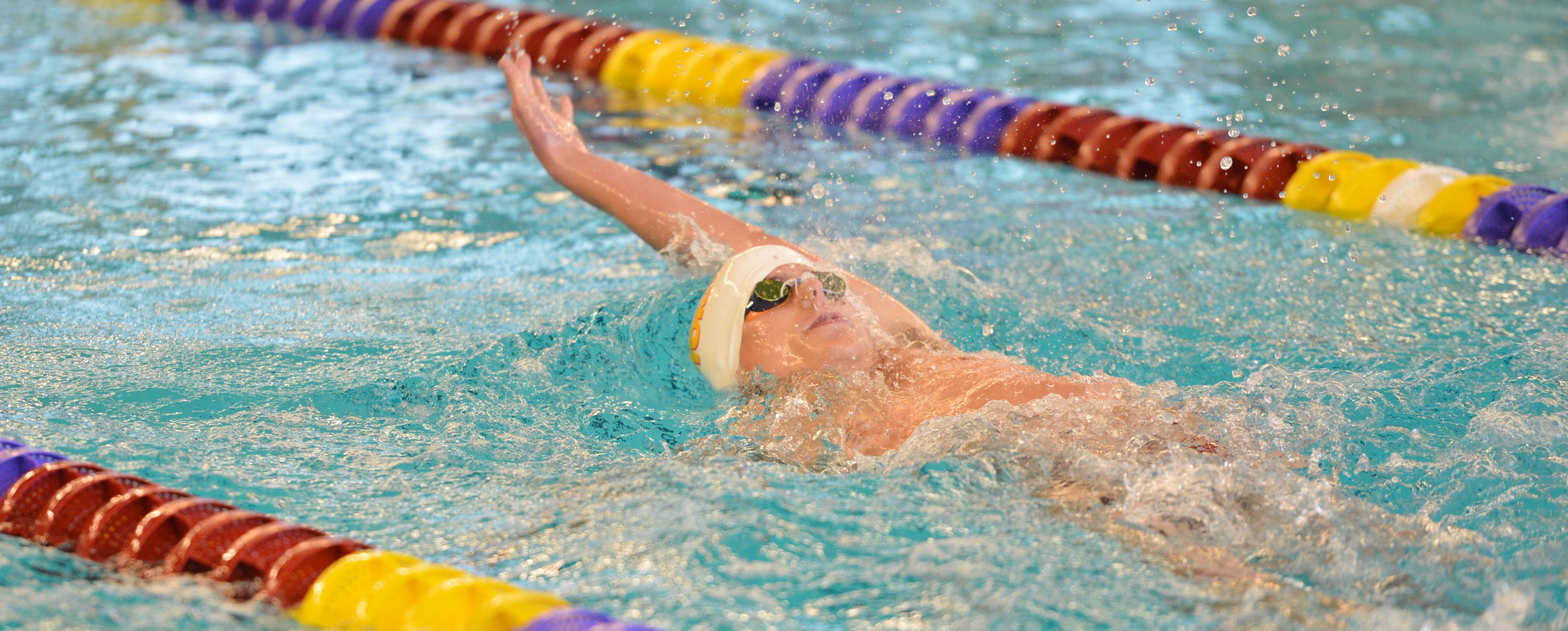 Men's swimming finishes seventh at Pioneer Classic
