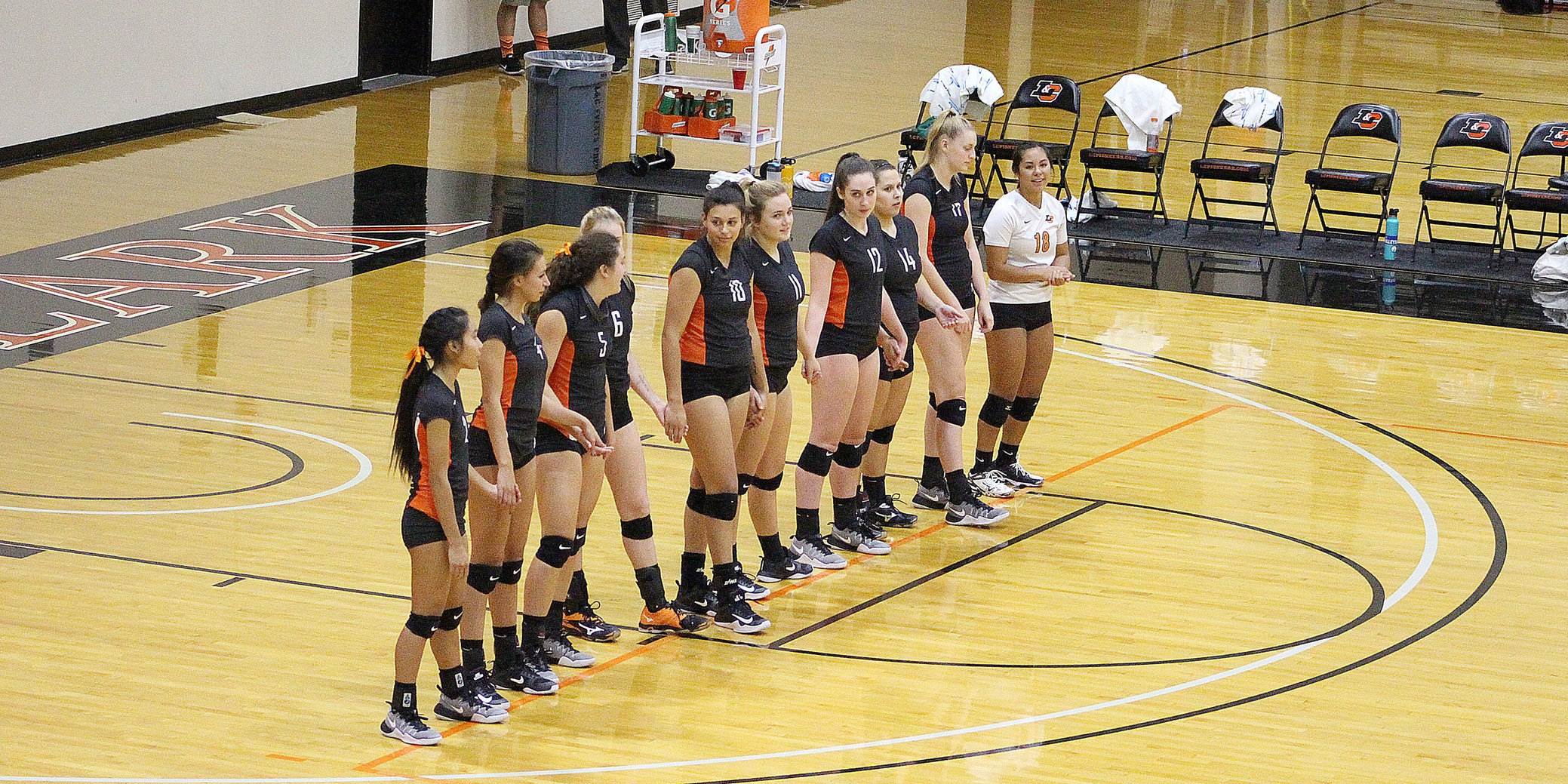 Lewis & Clark wins its first conference game with sweep