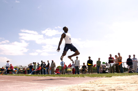 Anno Earns Bronze in LJ