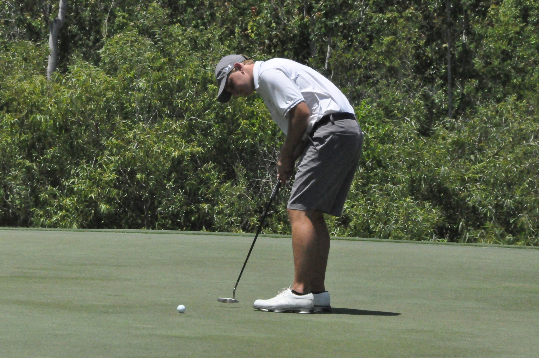 Golf: Panthers slip to tie for eighth after second round of NCAA Division III Championship