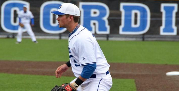 Baseball pushes winning streak to three with sweep of Wisconsin Lutheran