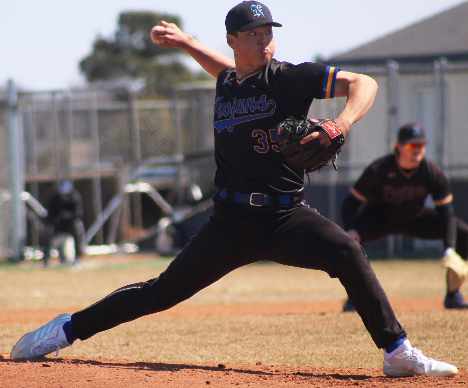NIACC's Michael Oh delivers a pitch in Sunday's first game.