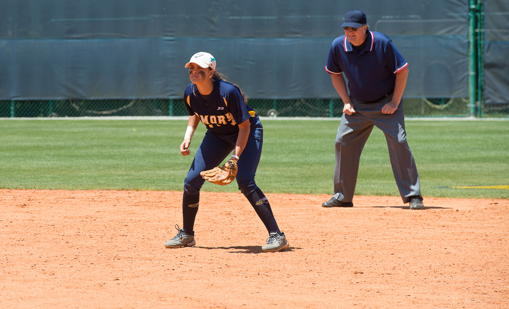 Emory Softball Stuns Case Western With Second-Game Rally -- Sweep Doubleheader vs. The Spartans