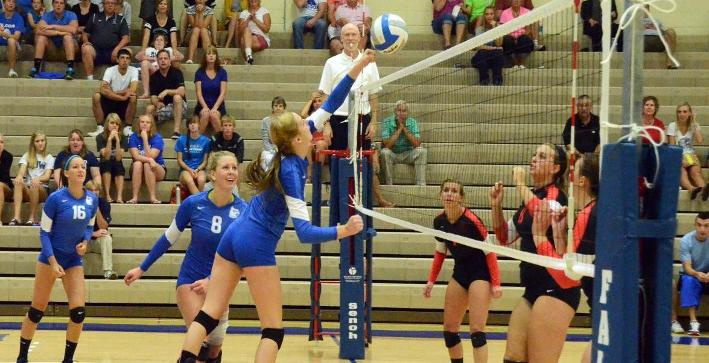 Volleyball drops road matches to Eagles, Crusaders