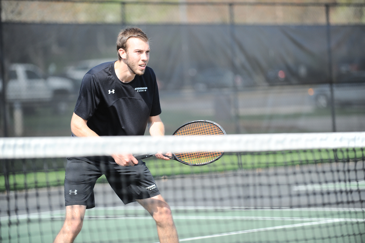 Men's Tennis Falls in Non-Conference Match to Elizabethtown, 8-1