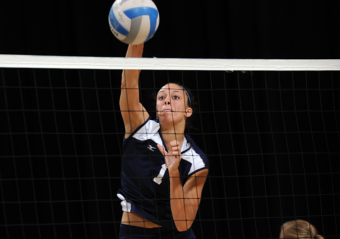 Belmont Sweeps Connecticut in Straight Sets