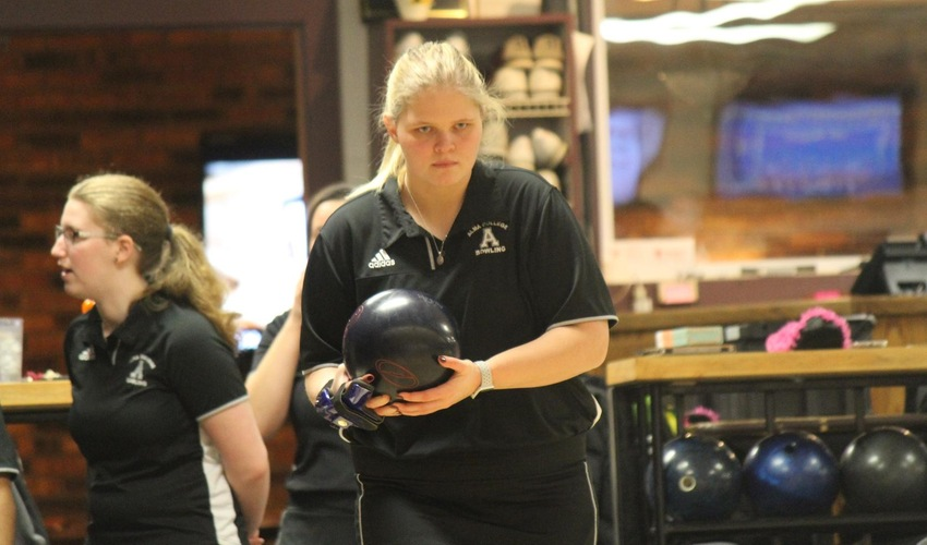 Women's Bowling Peforms Well at American Heartland III and IV