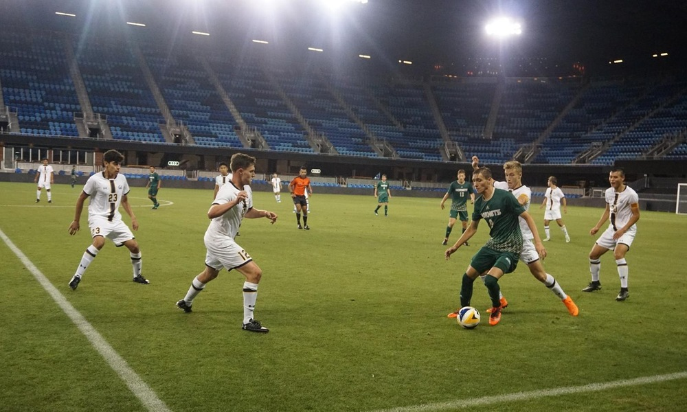 MEN'S SOCCER FALLS TO CAL IN WILD MATCH AT MLS STADIUM