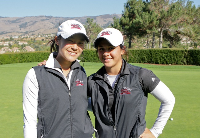 Teammates Miki Ueoka (left) and Tamara Surtees finished one and two at the Colby Invitational Tuesday (Photo by John Medina)