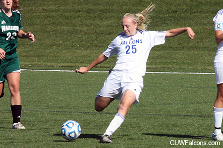 Women's Soccer races past WLC 6-0