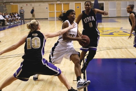 No. 17 Clayton State women top GSW, 90-60