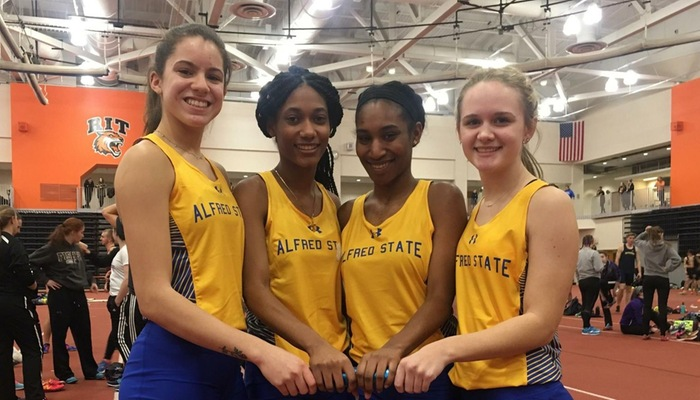 4 x 200 relay team that broke into the school's top 10 list