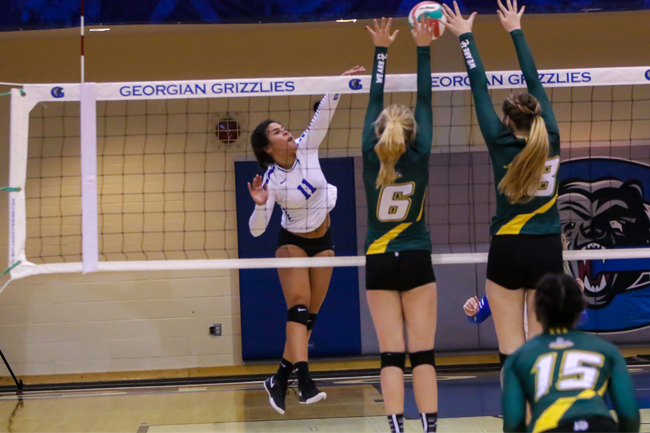 WOMEN'S VOLLEYBALL SWEPT BY LORDS