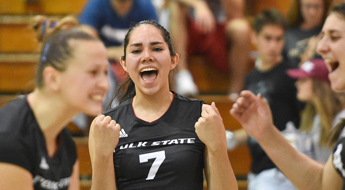 Kathya Garcia (7) made 20 kills as the Eagles beat Seward County 3-0 at the national tournament. (Photo by Tom Hagerty, Polk State.)